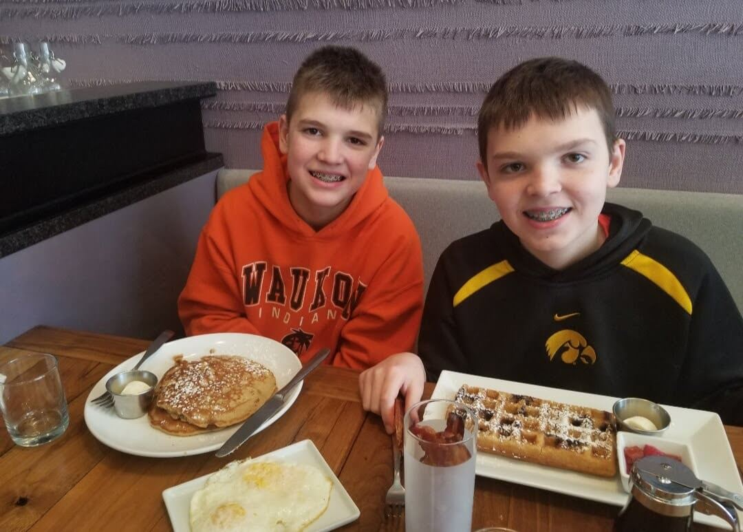 boys eating gluten free breakfast at Wheat's End Cafe in Chicago